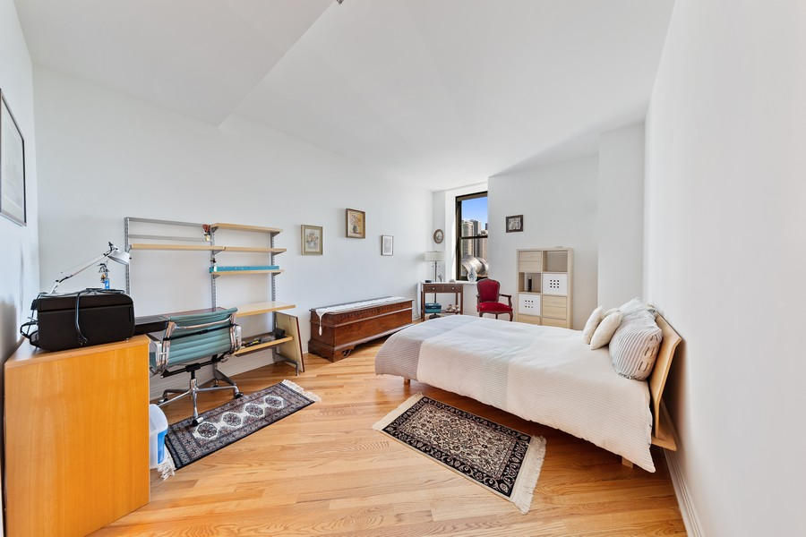 Real Estate Photography - 6 North Michigan Ave, 902, Chicago, IL, 60602 - Master Bedroom