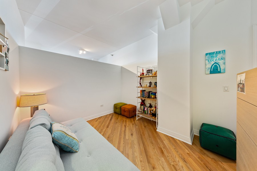 Real Estate Photography - 6 North Michigan Ave, 902, Chicago, IL, 60602 - Bedroom