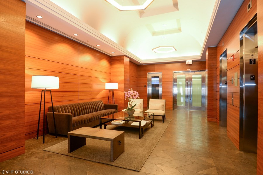 Real Estate Photography - 6 North Michigan Ave, 902, Chicago, IL, 60602 - Lounge