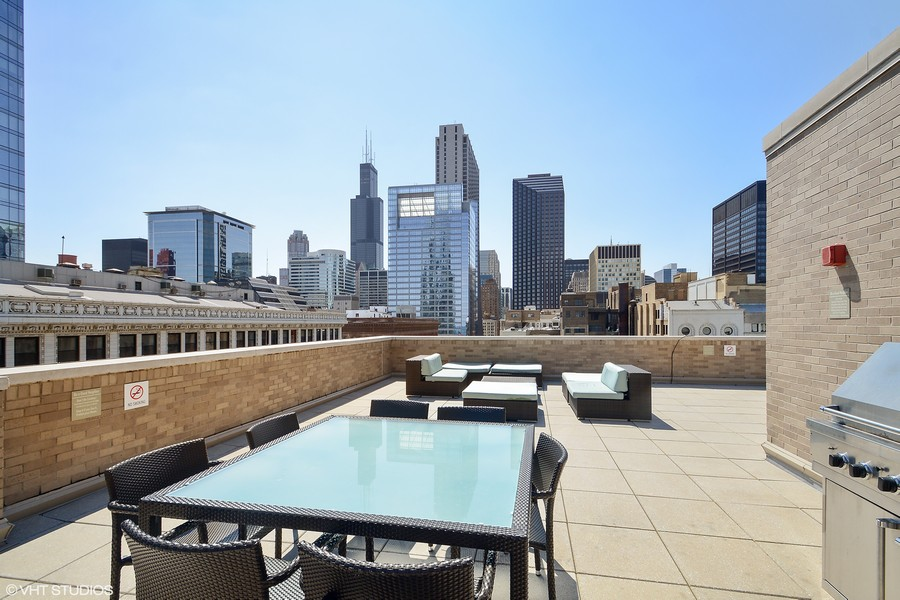 Real Estate Photography - 6 North Michigan Ave, 902, Chicago, IL, 60602 - Rooftop Garden