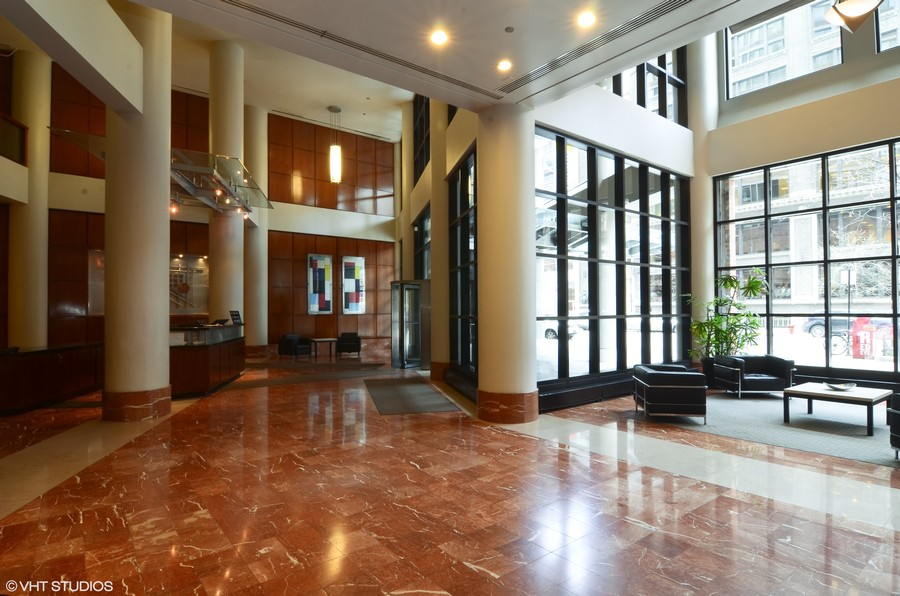 Real Estate Photography - 211 E Ohio St, Apt 809, Chicago, IL, 60611 - Lobby
