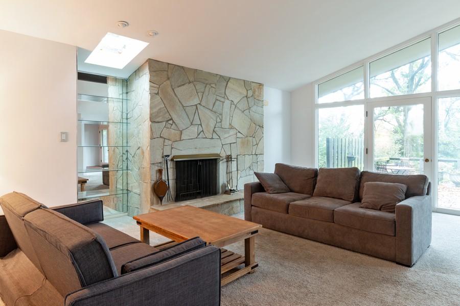 Real Estate Photography - 132 Grace Ln, Barrington, IL, 60010 - Living Room