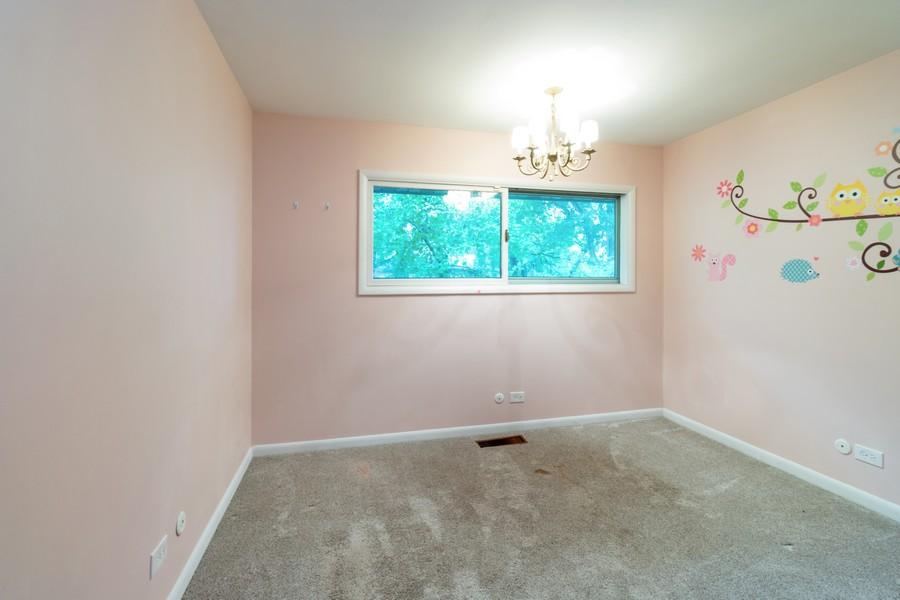 Real Estate Photography - 132 Grace Ln, Barrington, IL, 60010 - Bedroom