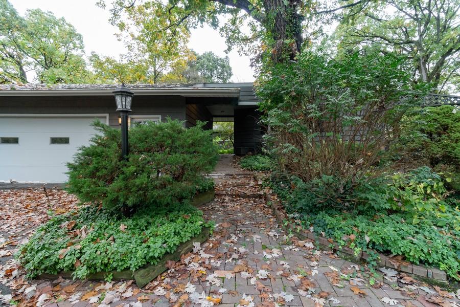Real Estate Photography - 132 Grace Ln, Barrington, IL, 60010 - Front View