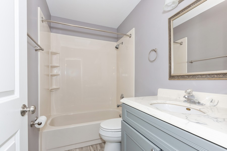 Real Estate Photography - 1301 St Croix Ave, Naperville, IL, 60564 - Master Bathroom
