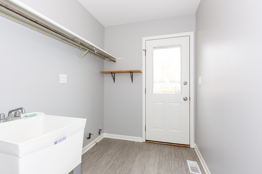 Real Estate Photography - 1301 St Croix Ave, Naperville, IL, 60564 - Laundry/Mud Room