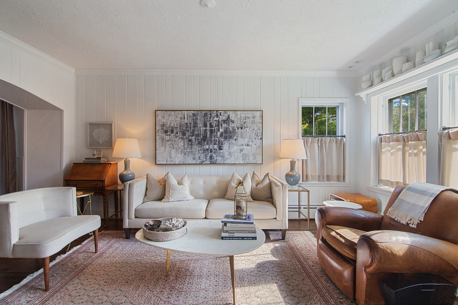 Real Estate Photography - 1514 Gregory Ave, Wilmette, IL, 60091 - Living Room