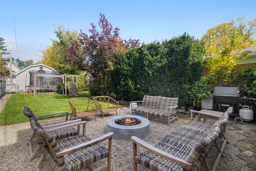 Real Estate Photography - 1514 Gregory Ave, Wilmette, IL, 60091 - Back Yard