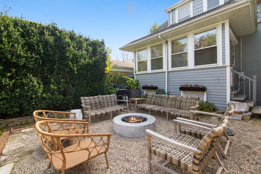 Real Estate Photography - 1514 Gregory Ave, Wilmette, IL, 60091 - Patio