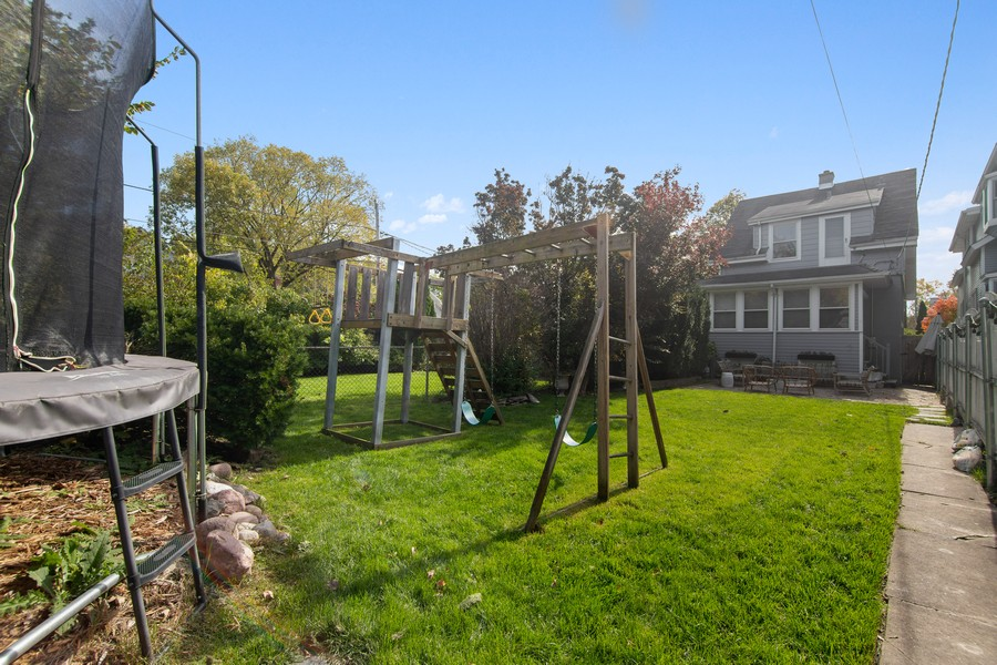 Real Estate Photography - 1514 Gregory Ave, Wilmette, IL, 60091 - Rear View