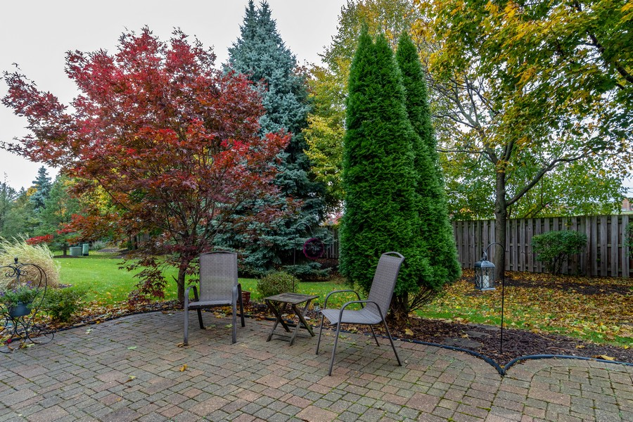 Real Estate Photography - 3357 Rosecroft, Naperville, IL, 60564 - Back Yard
