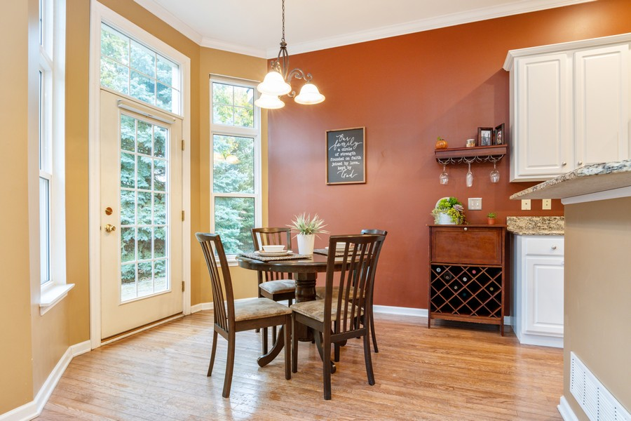 Real Estate Photography - 3357 Rosecroft, Naperville, IL, 60564 - Breakfast Area