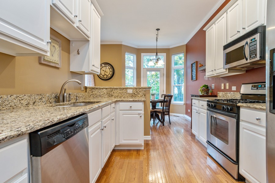 Real Estate Photography - 3357 Rosecroft, Naperville, IL, 60564 - Kitchen