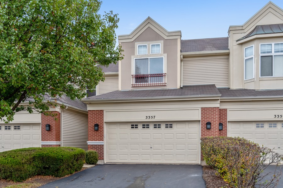 Real Estate Photography - 3357 Rosecroft, Naperville, IL, 60564 - Front View