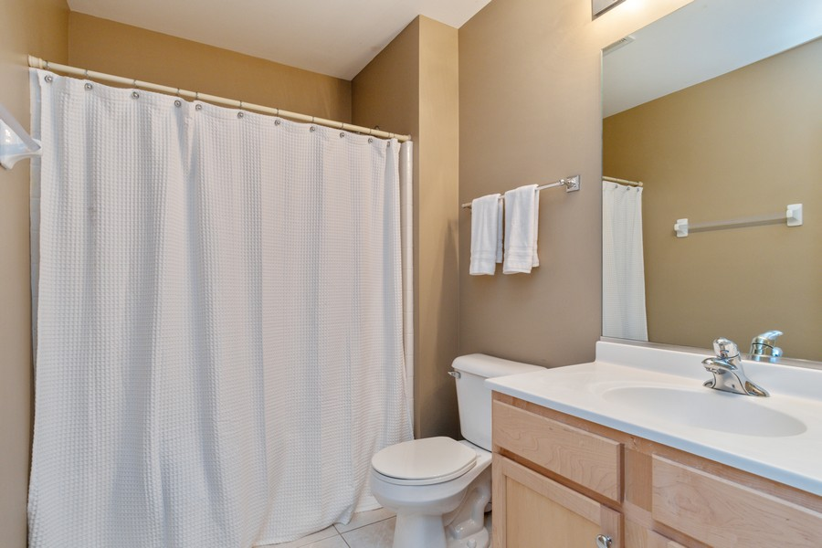 Real Estate Photography - 3357 Rosecroft, Naperville, IL, 60564 - 2nd Bathroom