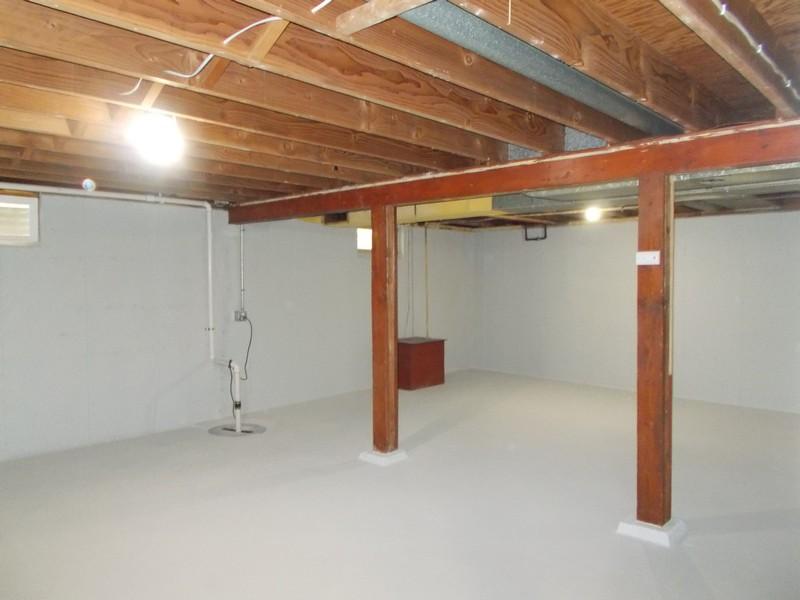 Real Estate Photography - 309 Knollwood Dr, Dekalb, IL, 60115 - Basement