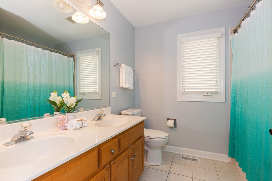Real Estate Photography - 3443 Redwing Dr, Naperville, IL, 60564 - 2nd Bathroom