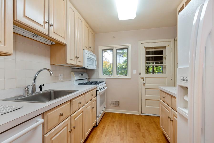Real Estate Photography - 3515 Hillside Rd, Evanston, IL, 60201 - Kitchen