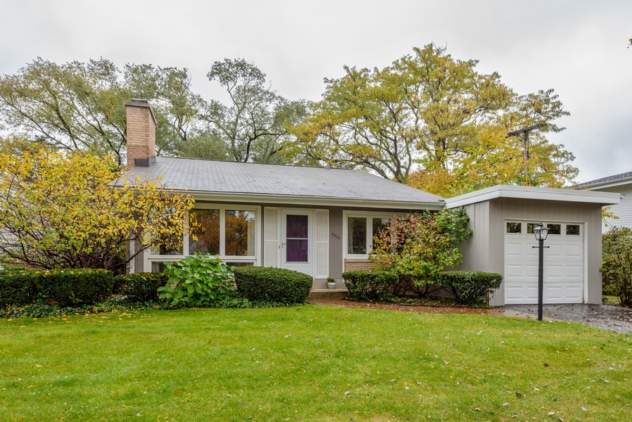 Real Estate Photography - 3515 Hillside Rd, Evanston, IL, 60201 - Front View