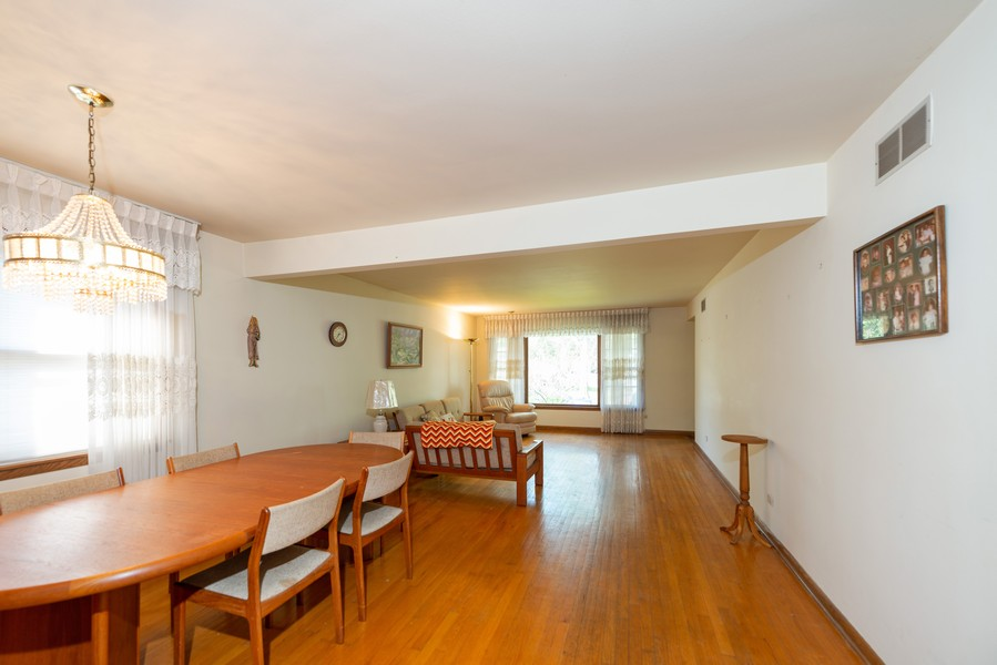 Real Estate Photography - 1905 Glenview Ave, Park Ridge, IL, 60068 - Living Room/Dining Room