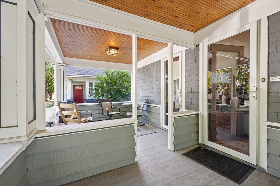 Real Estate Photography - 6442 Fairfield Ave, Berwyn, IL, 60402 - Porch