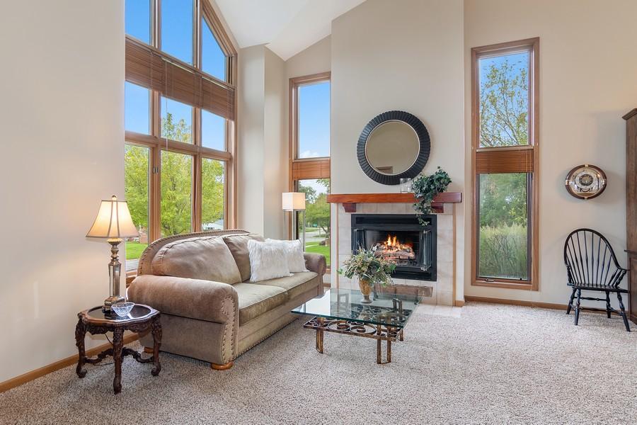 Real Estate Photography - 800 Lund Ln, Batavia, IL, 60510 - Living Room