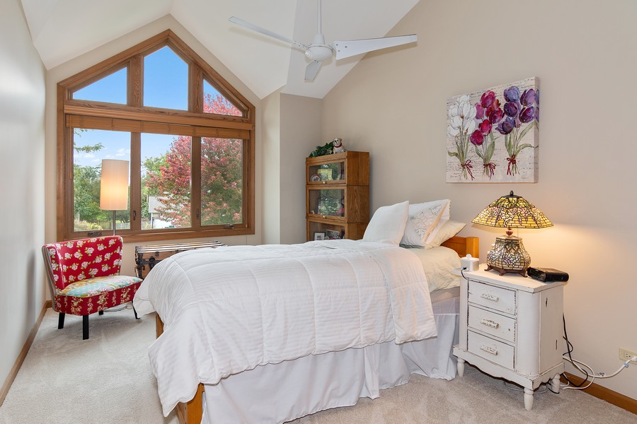 Real Estate Photography - 800 Lund Ln, Batavia, IL, 60510 - Guest Bedroom