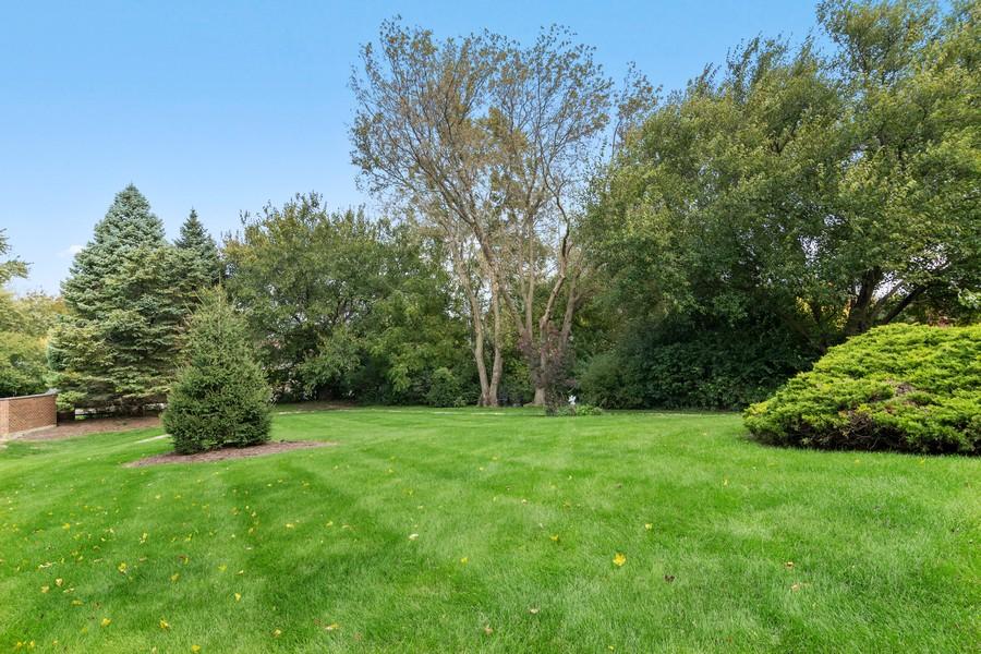Real Estate Photography - 800 Lund Ln, Batavia, IL, 60510 - Side Yard
