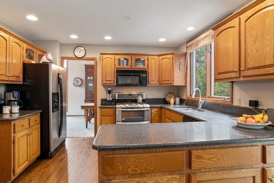 Real Estate Photography - 800 Lund Ln, Batavia, IL, 60510 - Kitchen