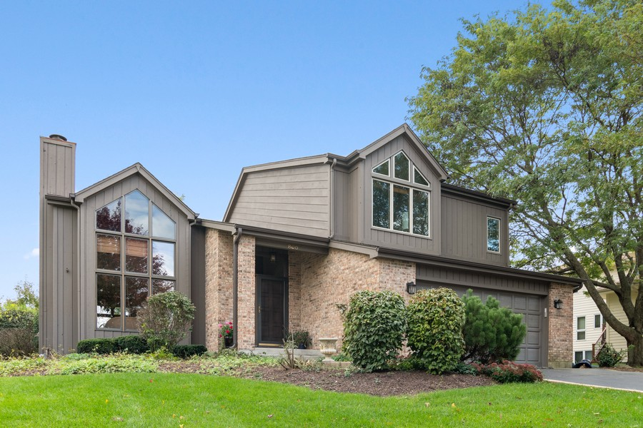 Real Estate Photography - 800 Lund Ln, Batavia, IL, 60510 - Front View