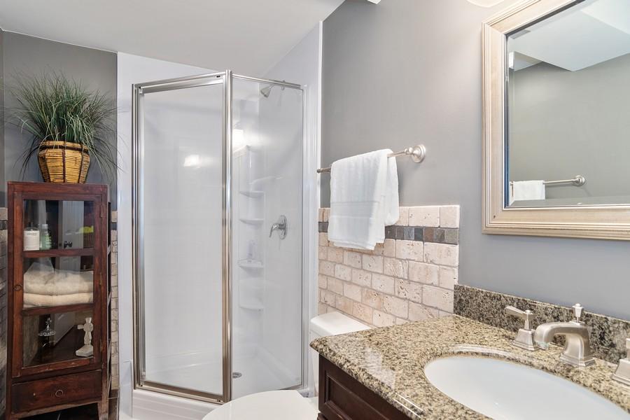 Real Estate Photography - 800 Lund Ln, Batavia, IL, 60510 - 2nd Bathroom