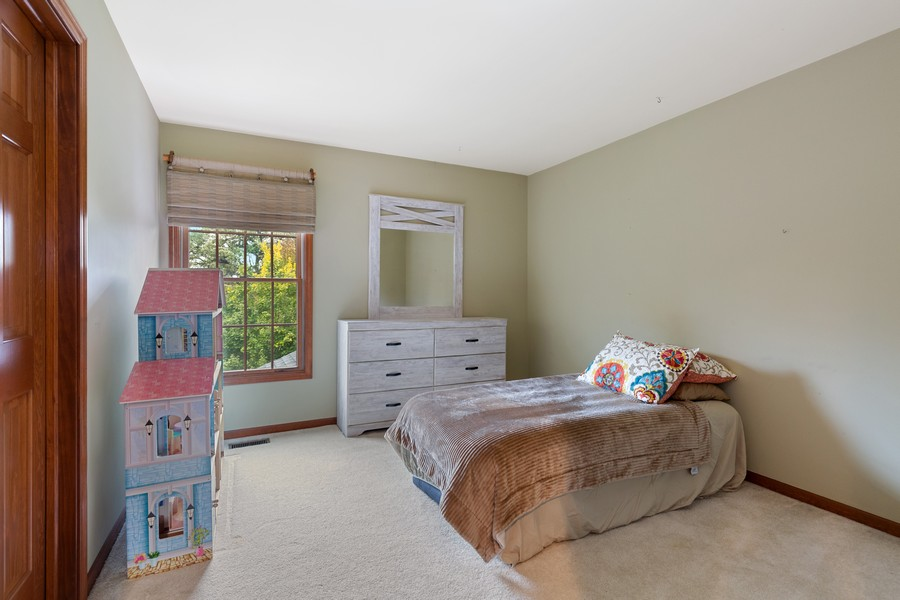 Real Estate Photography - 8N431 Sunny Hill Cir, Campton Hills, IL, 60124 - 2nd Bedroom