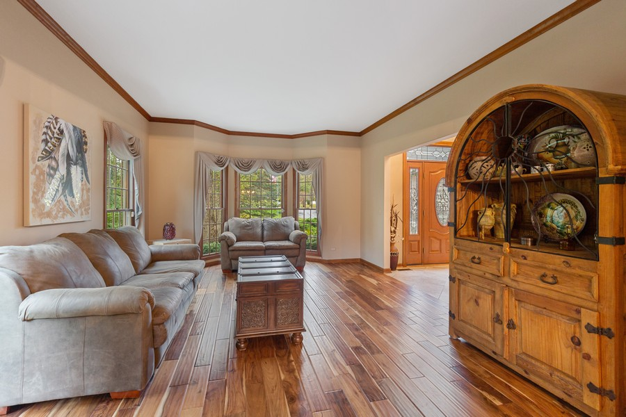 Real Estate Photography - 8N431 Sunny Hill Cir, Campton Hills, IL, 60124 - Living Room