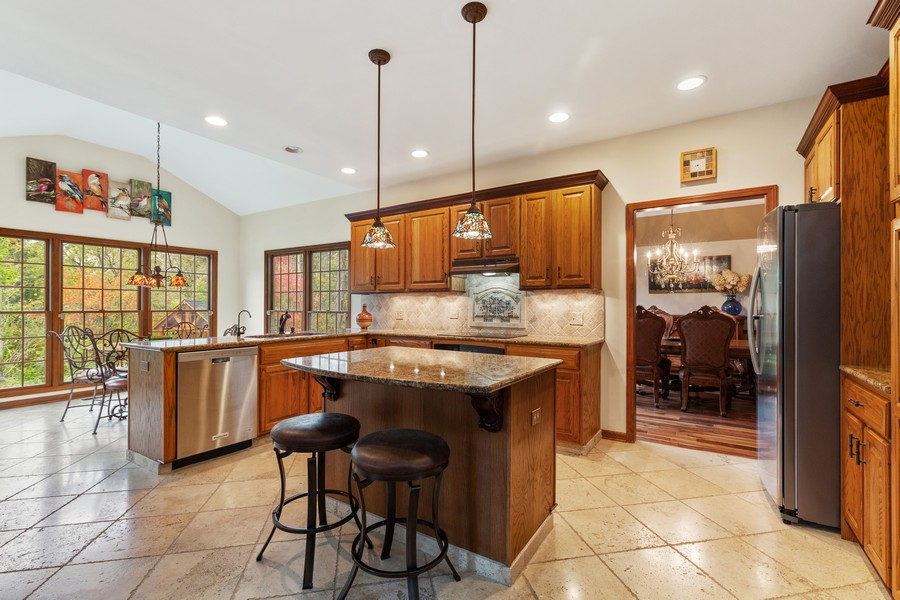 Real Estate Photography - 8N431 Sunny Hill Cir, Campton Hills, IL, 60124 - Kitchen