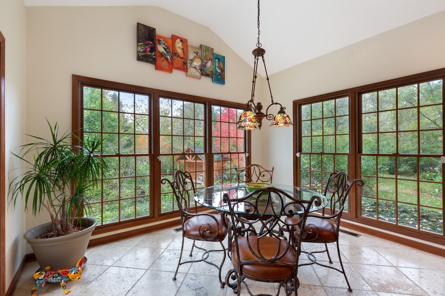 Real Estate Photography - 8N431 Sunny Hill Cir, Campton Hills, IL, 60124 - Kitchen / Breakfast Room