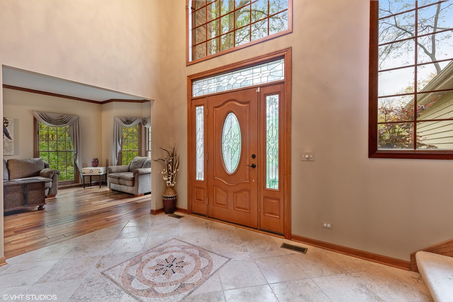 Real Estate Photography - 8N431 Sunny Hill Cir, Campton Hills, IL, 60124 -