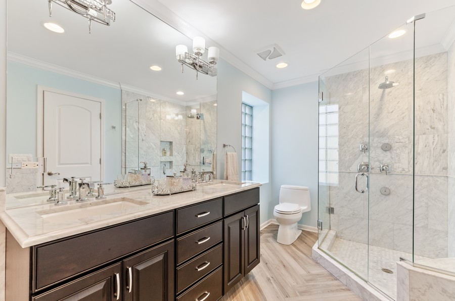 Real Estate Photography - 4003 Yorkshire Ln, Northbrook, IL, 60062 - Master Bathroom