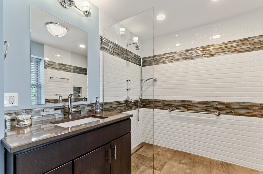 Real Estate Photography - 4003 Yorkshire Ln, Northbrook, IL, 60062 - Bathroom