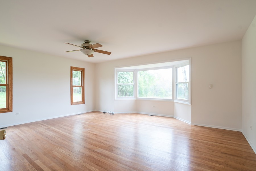 Real Estate Photography - 157M Helm Rd, Barrington Hills, IL, 60010 - Location 2