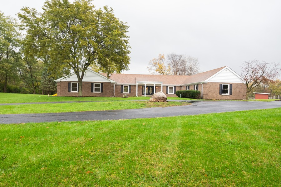 Real Estate Photography - 157M Helm Rd, Barrington Hills, IL, 60010 - Front View