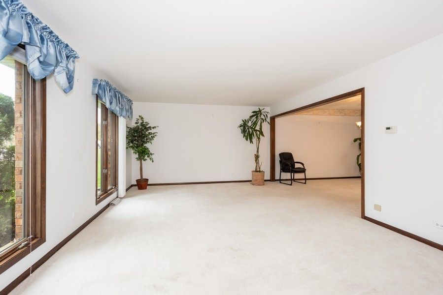 Real Estate Photography - 108 Jodi Ln, Bartlett, IL, 60103 - Living Room