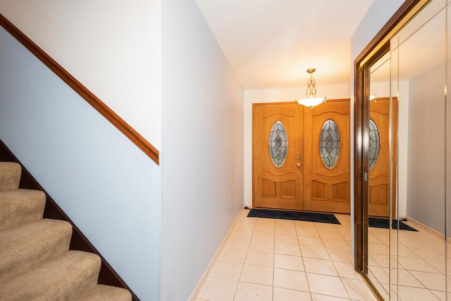 Real Estate Photography - 108 Jodi Ln, Bartlett, IL, 60103 - Foyer