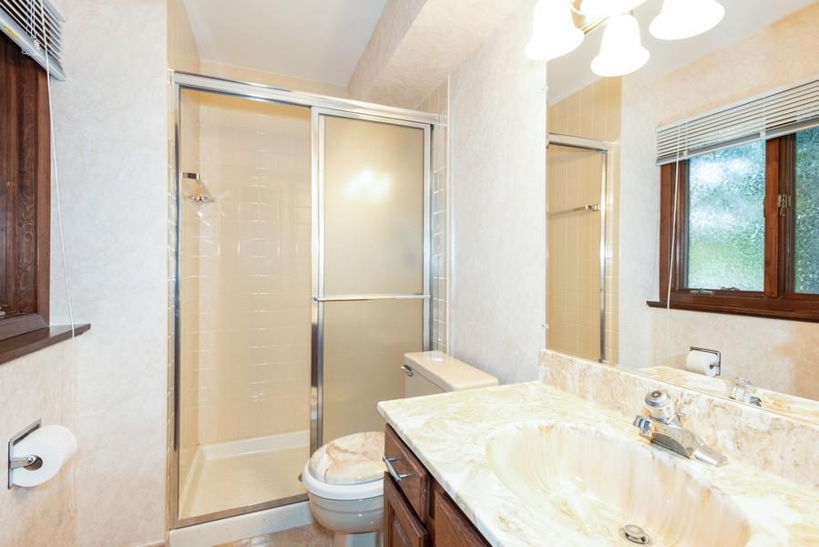 Real Estate Photography - 108 Jodi Ln, Bartlett, IL, 60103 - 2nd Bathroom