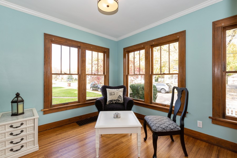 Real Estate Photography - 381 Douglas Ave, Crystal Lake, IL, 60014 - Reading Room
