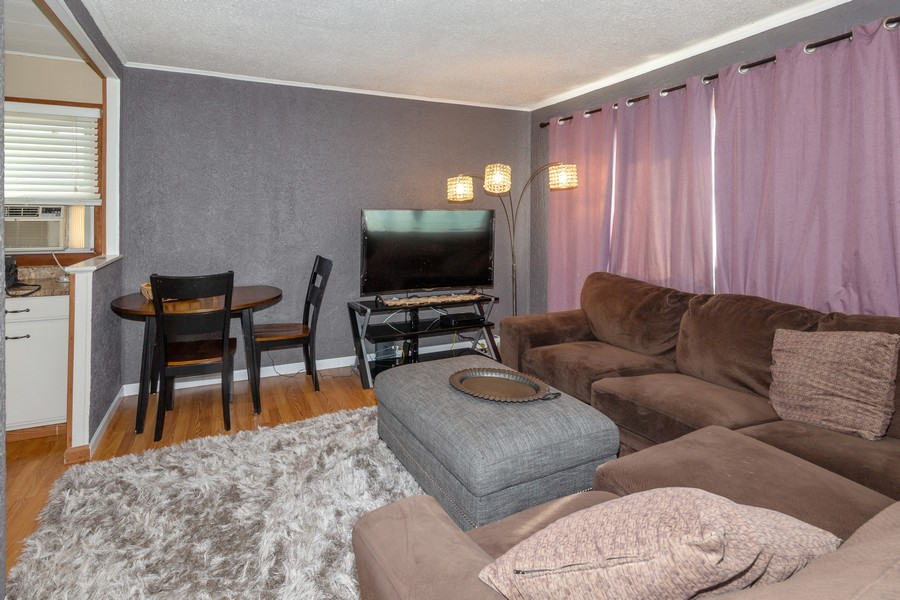 Real Estate Photography - 1501 Boston Ave, Joliet, IL, 60435 - Living Room