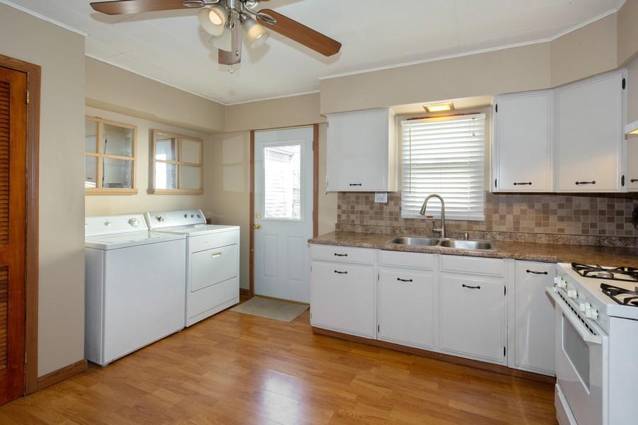 Real Estate Photography - 1501 Boston Ave, Joliet, IL, 60435 - Kitchen