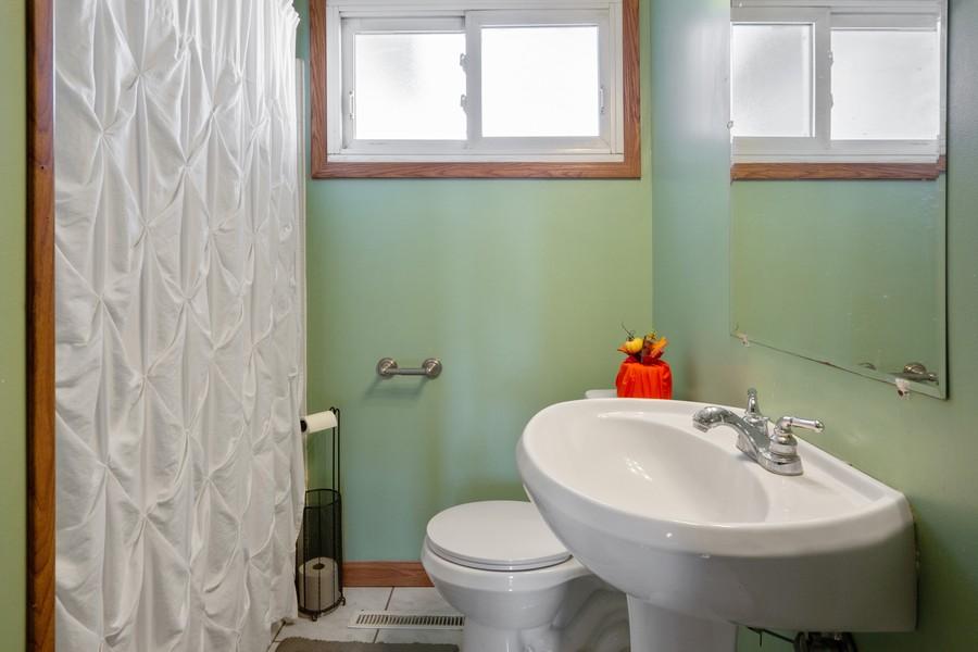 Real Estate Photography - 1501 Boston Ave, Joliet, IL, 60435 - Bathroom