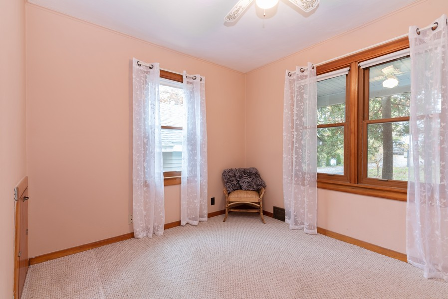 Real Estate Photography - 525 Cheyenne Dr, Lake In The Hills, IL, 60156 - 2nd Bedroom