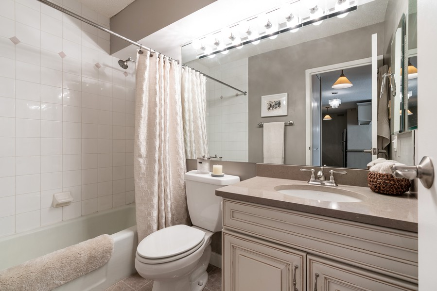 Real Estate Photography - 1313 North Ritchie Ct, 606, Chicago, IL, 60610 - Bathroom