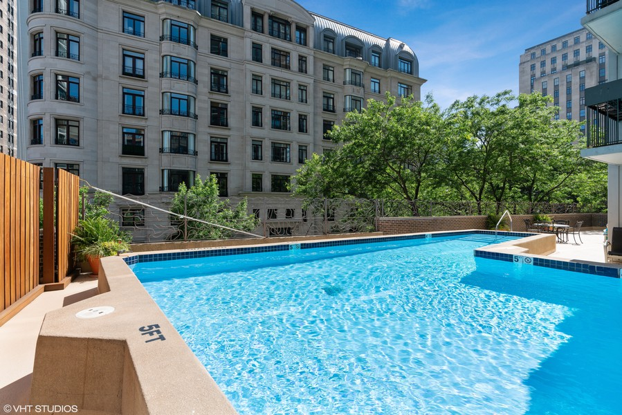 Real Estate Photography - 1313 North Ritchie Ct, 606, Chicago, IL, 60610 - Outdoor Pool